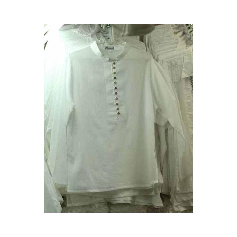 Blusas blancas, en tallas grandes